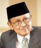 B.J. Habibie, Mantan Presiden RI saat kunjungan ke Kampus Al Kausar boarding school & pondok pesantren al kausar